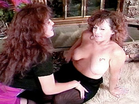 Mature hairy pussy lesbians1